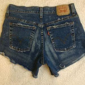 Levi's cut off jean shorts size 6
